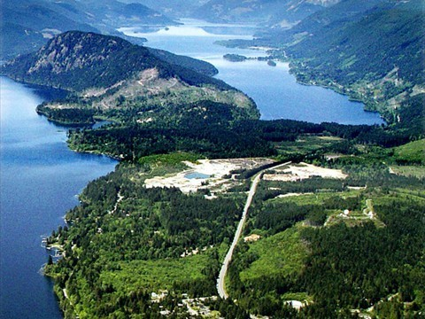 lake_cowichan_from_the_air